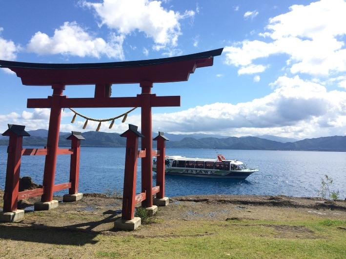 田澤湖-鳥居